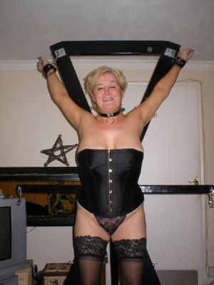 Granny looking for kinky sex in Essex
